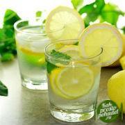 А вы любите воду с лимоном? Она очень важна для похудения!